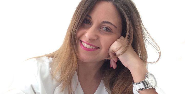 Dra. MARÍA ROBLES